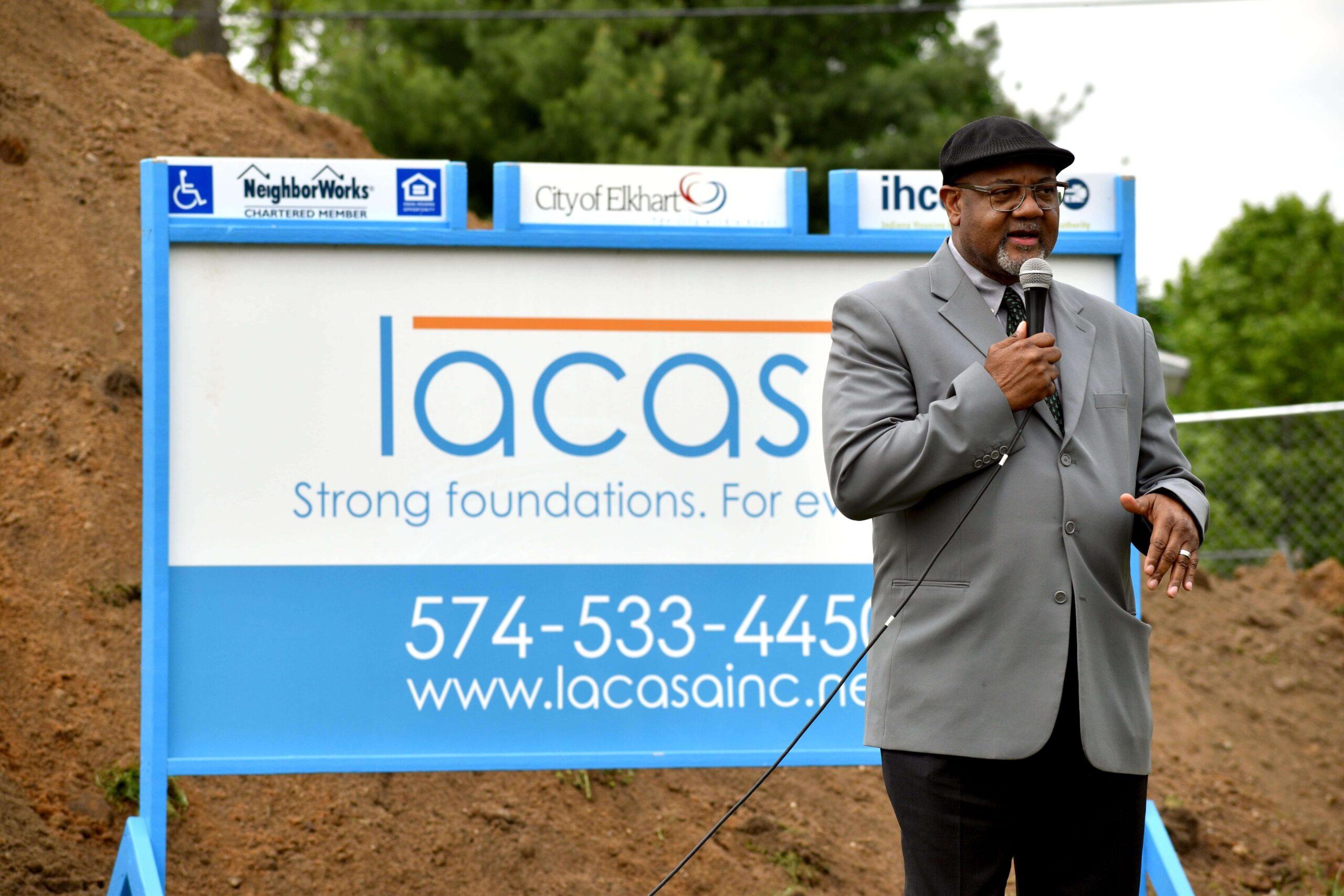 mayor rod roberson speaks at lacasa state street groundbreaking